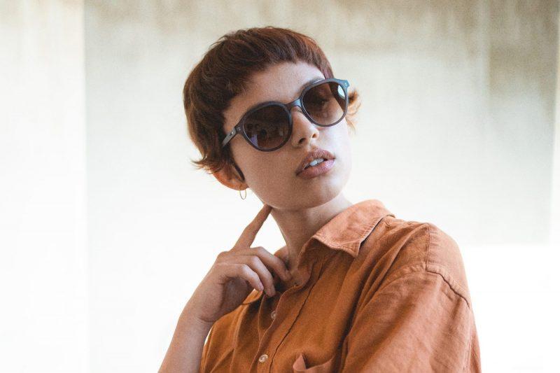 Holz-Sonnenbrille Helena Lookbook2