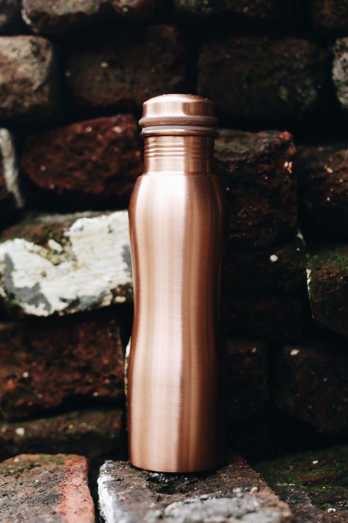Kupferflasche matt curved 900ml MC9 Lookbook02