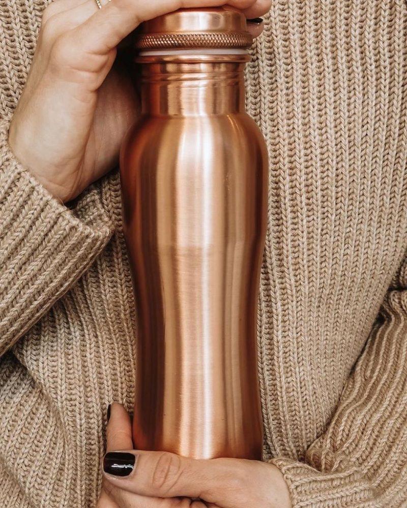 Kupferflasche matt curved 900ml MC9 Lookbook03