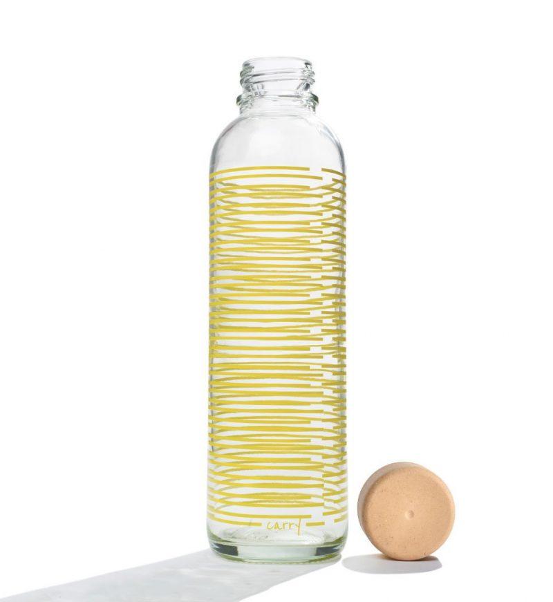 Trinkflasche aus Glas CARRY Bottles Yellow Twist 700ml Lookbook02