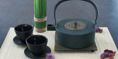 Teekanne aus Gusseisen Heii Na 0,8l gruen-gold